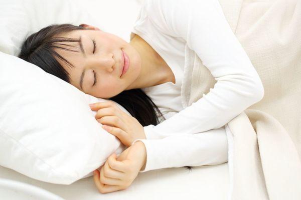 ぐっすり眠りたい人にオススメ!睡眠の質を高める食事方法