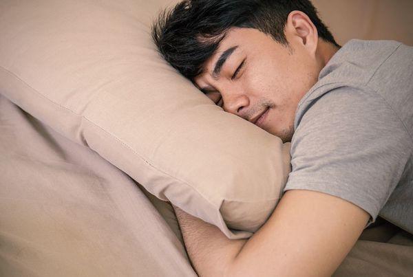 疲労回復に睡眠が効果的!疲れをとるためのポイントをご紹介